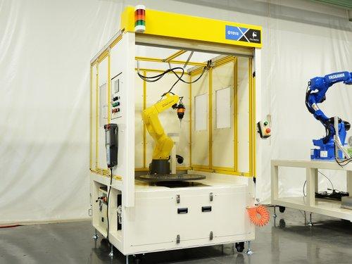 バリ取り職人のロボットシステム