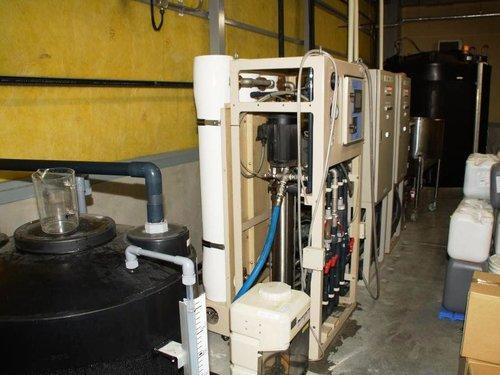 RO膜を使用した保冷材原水のタンク